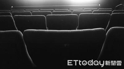 陳彥博哭了!韓國瑜進影院挺紀錄片