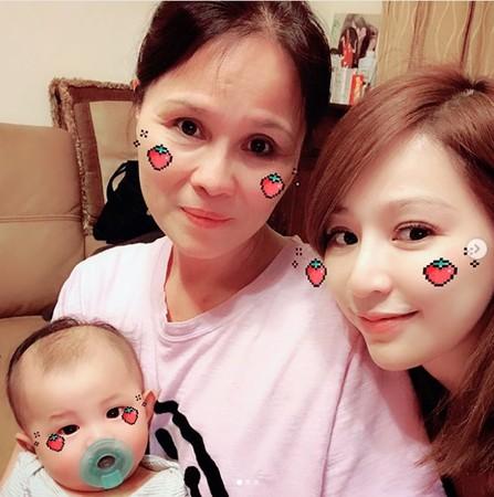 ▲王心凌跟媽媽合照。(圖/翻攝自王心凌Instagram)
