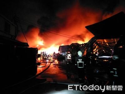 台中外埔工廠陷火海 警消急灌救