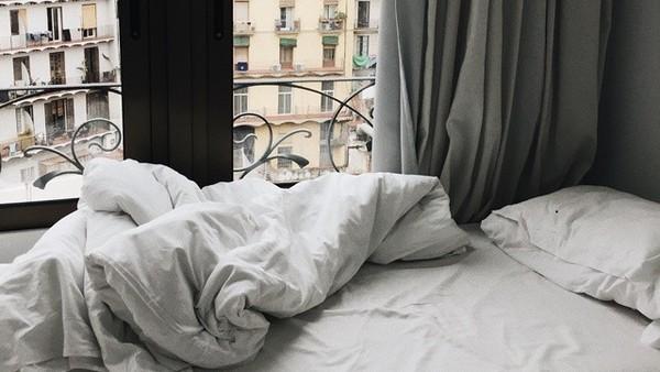 ▲▼房間,窗外,窗。(圖/取自免費圖庫pixabay)