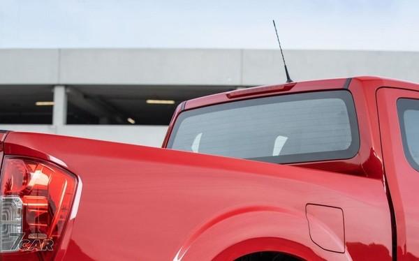 Nissan皮卡車navara小改款亮相 升級4輪碟煞 5連桿後懸吊