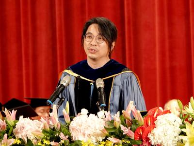 葉丙成勉勵「不要放棄我們的家」 畢業生聽到泛淚:對照香港太有感