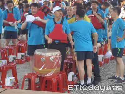 首長隊划龍舟 韓國瑜:別漏氣
