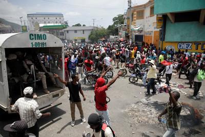 海地民眾高喊總統為貪汙負責下台