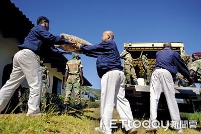 台商帶出4200黑人志工 守護辛巴威