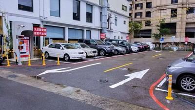 全市首創「影像智慧停車柱」