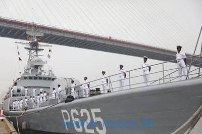 解放軍「銅陵艦」移交斯里蘭卡