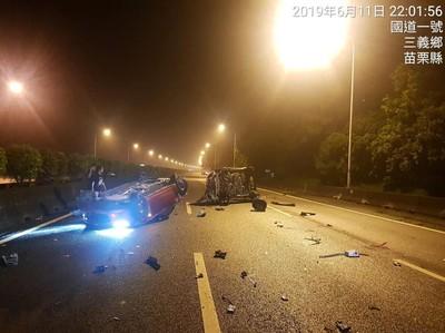 國1轎車碰撞國光客運 駕駛拋飛車外慘死