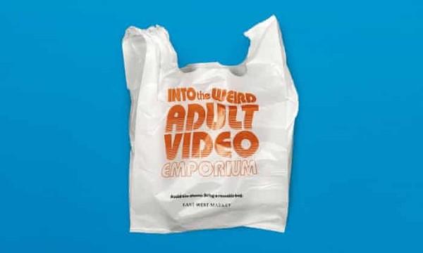 花錢也要塑膠袋? 溫哥華超市推「羞恥袋」...提著超尷尬