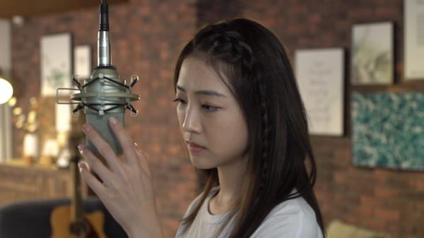 演員黃甄妮離開三立轉當歌手! 獲「曾之喬、魏蔓」大讚