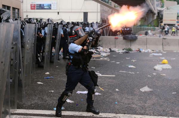 激進示威危險「可以殺人」 香港警務處長放話:不離開會終生後悔