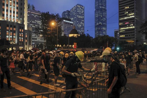 香港反送中22傷!林鄭月娥晚間終露臉 3分鐘短片譴責「示威暴動」