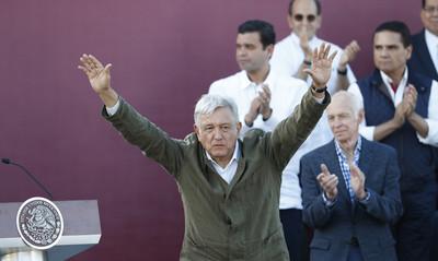 解決移民問題 墨西哥靠出售專機