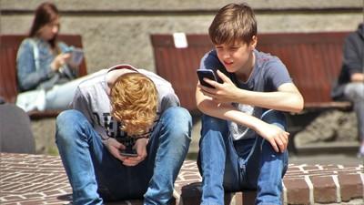 佩佩豬長大瘋吃雞 兒童網路成癮2歲就開始 8成青少年目睹網路霸凌