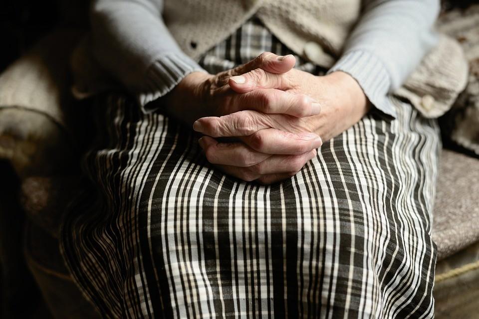 ▲▼母親。(示意圖/取自免費圖庫Pixabay)