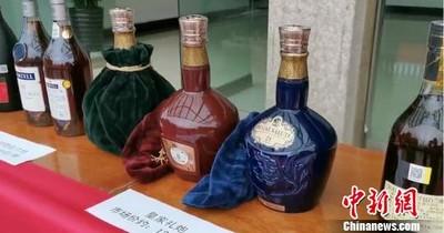 台州犯罪集團賣假酒狂造2萬瓶