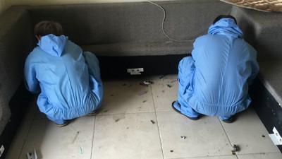 在場清潔師全是男的 命案現場卻聽到女子哭聲 衣物堆底層埋著「它」