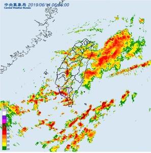 「雷雨彈」夜襲 全台20縣市豪大雨警報