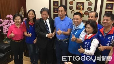 郭台銘接地氣 拜訪台南市議會與郭信良