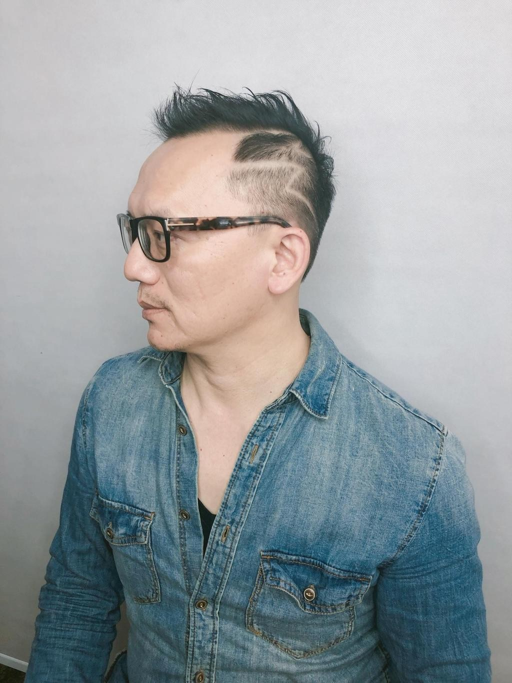 ▲紳士性格刻髮~簡約幾何打造質感一哥!。(圖/StyleMap)