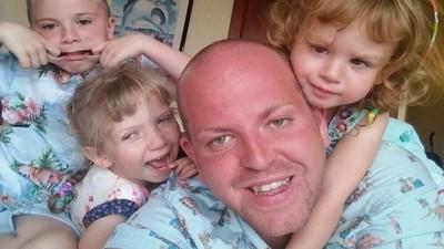 超級暖爸收養五名殘疾兒童 卻因「單身同性戀」受到網路攻擊
