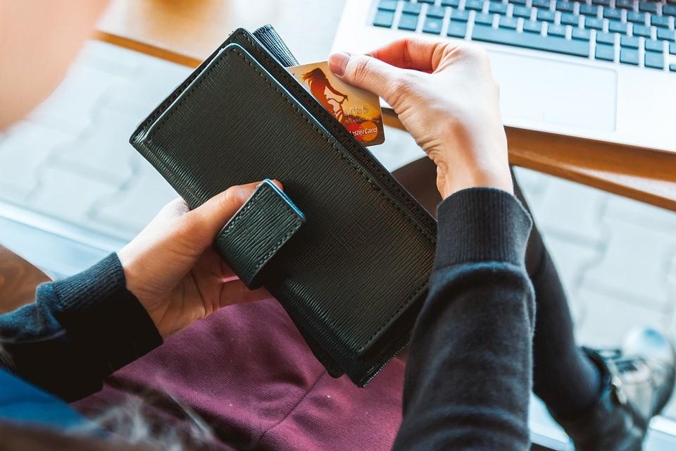 ▲▼存錢。(示意圖/取自免費圖庫Pixabay)