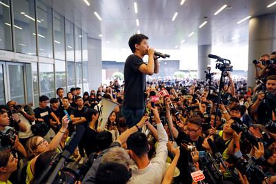 黃之鋒3日確定訪台!會民進黨主席卓榮泰