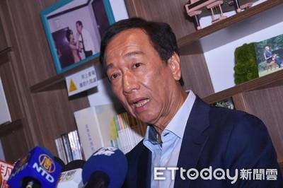 柯P「屁話論」惹議 郭:民進黨才該質疑