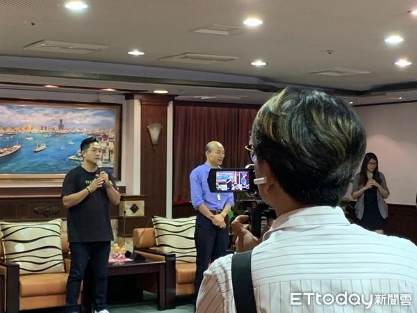 韓國瑜首度直播串流五大平台創紀錄 半小時斗內50萬孕育「珍珠」