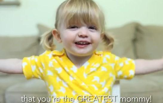 媽咪我為什麼愛妳?美2歲「臭乳呆」女童超萌告白