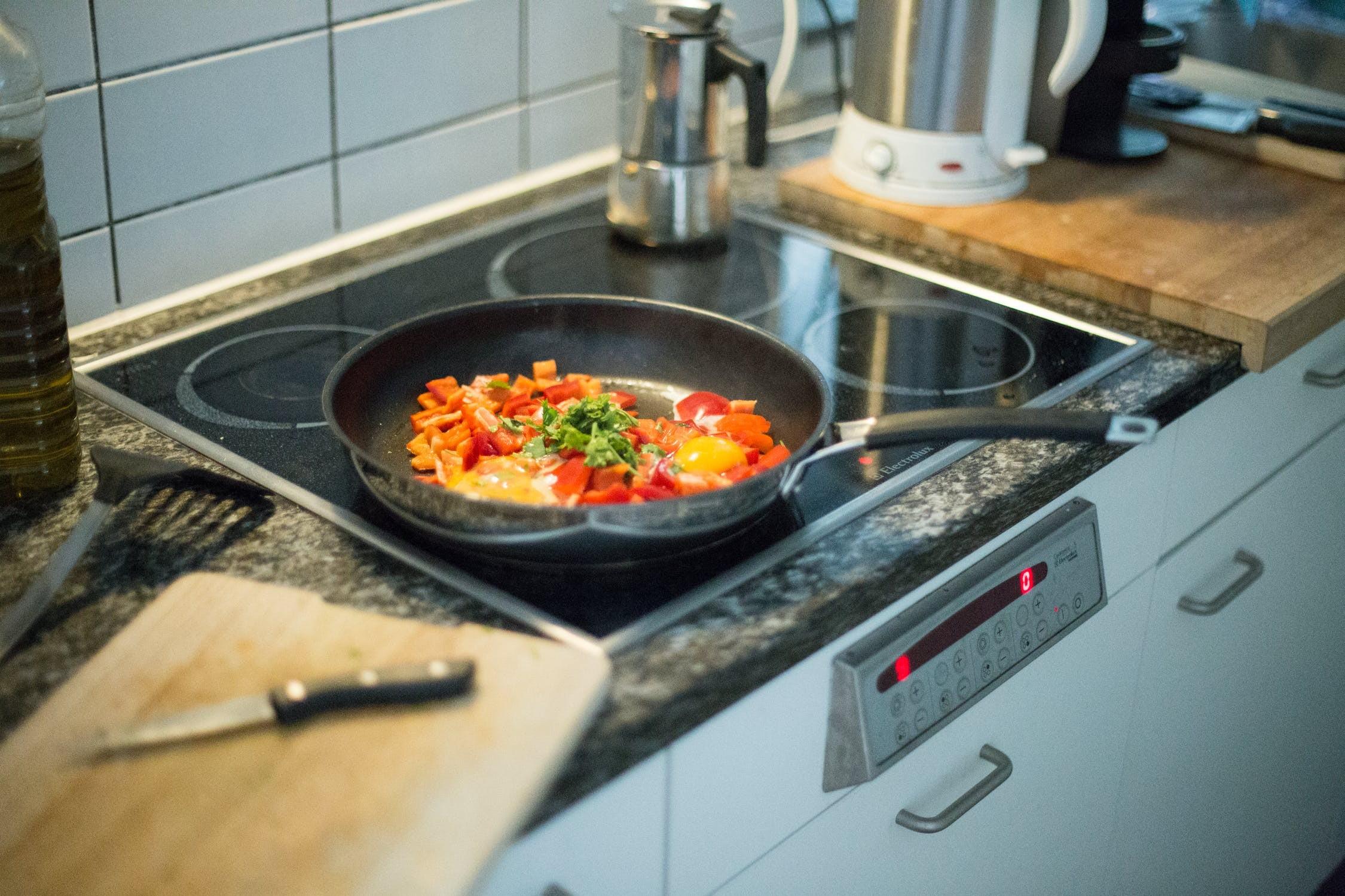 ▲▼下廚,煮飯。(圖/取自免費圖庫Pixabay)