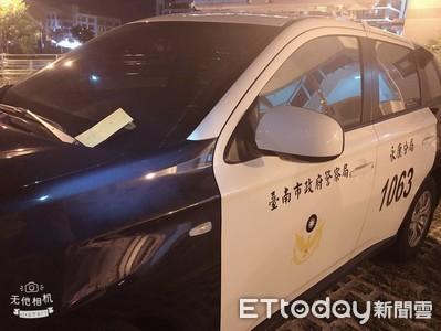 警車夾2000元要給劉三榮 善心觸發悲傷