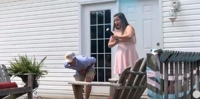 射炮揭寶寶性別卻射爆下體!準爸爸腿軟跪地