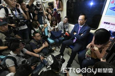 郭台銘喊「永不回鴻海」 如今「一介平民」搭捷運回家