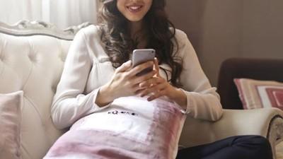 發現女友玩交友軟體怎麼辦?「霸氣戳破」鼓勵她多去和其他男人約會