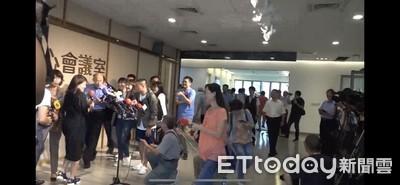 韓國瑜聯訪「無預警」代理新聞局長轉頭離開