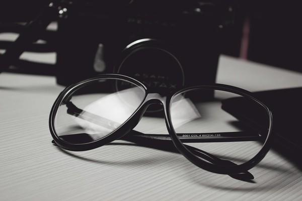 ▲眼鏡(圖/取自免費圖庫Pixabay)