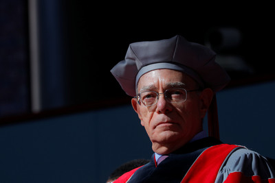 MIT校長替「華裔師生」平反:移民就像氧氣