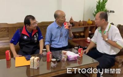 韓國瑜夜宿回收志工家!喝紅茶聽訴苦