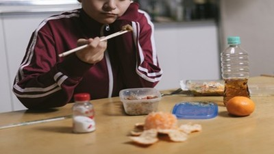 剩菜別倒掉冰起來!「抗解澱粉」讓血糖減半、維持更久飽足感