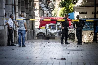 警車旁滿地屍塊 突尼西亞2連爆