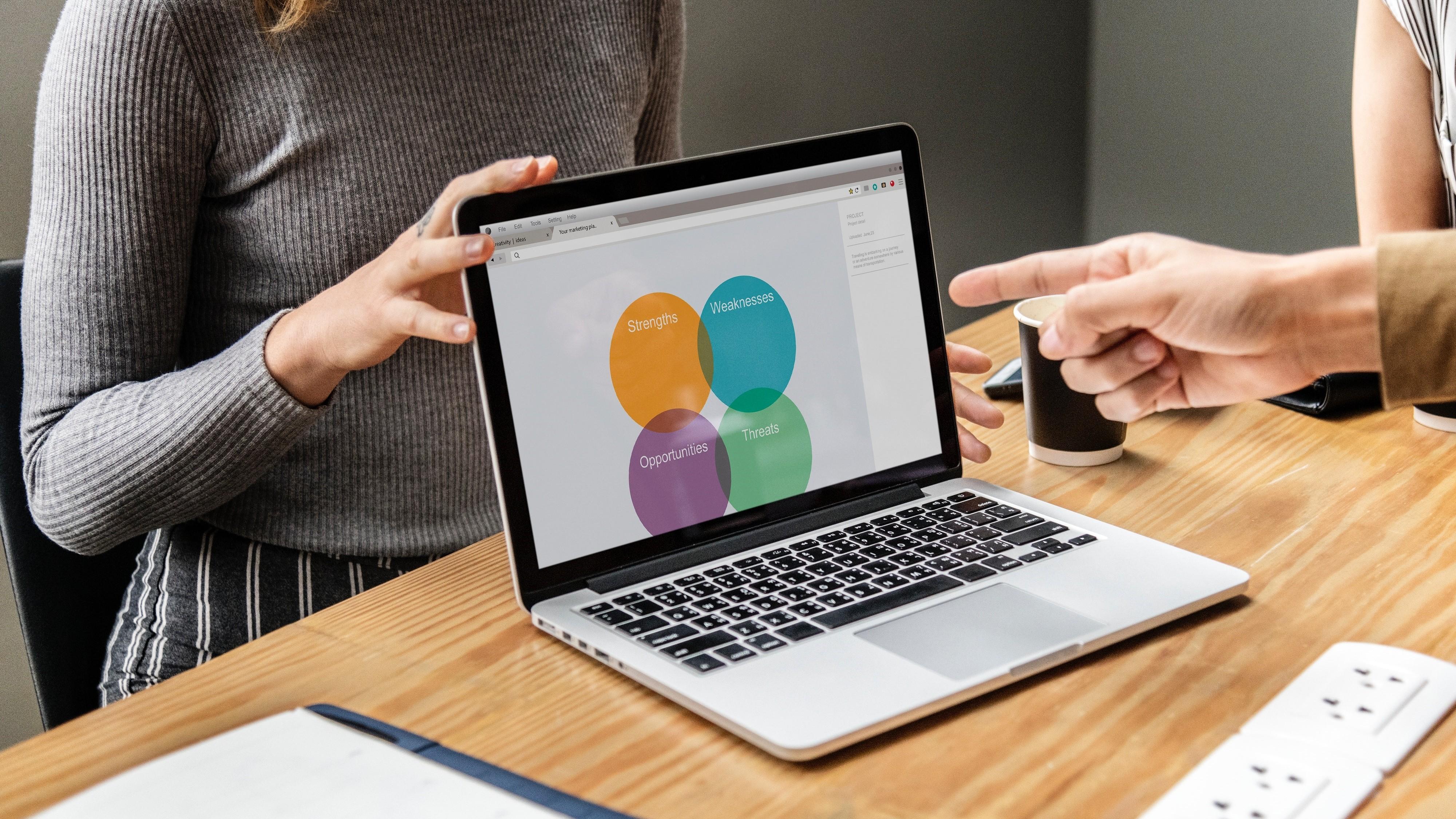 ▲簡報,投影片,開會,會議,職場,工作。(圖/取自免費圖庫Pexels)