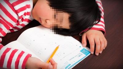 憂鬱症小學生「一天苦讀8小時」 父嗆:讀書是在累屁!精神科醫無奈嘆氣