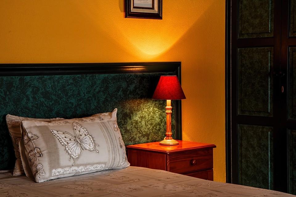 ▲飯店,床,房(圖/取自免費圖庫Pixabay)