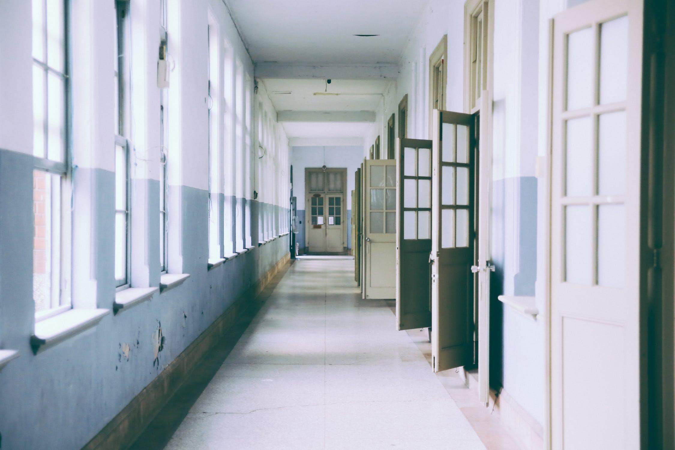 ▲▼學校,電梯。(圖/取自免費圖庫Pixabay)