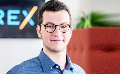 23歲史丹佛中輟生創業 2年翻身百億勝利組
