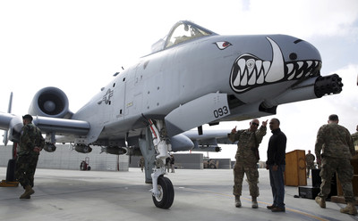 美空軍演練遭鳥擊 訓練彈竟掉落