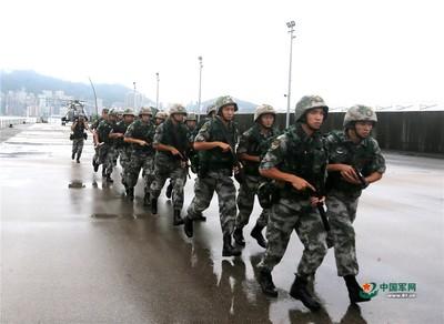 無人機進入解放軍駐港部隊軍營