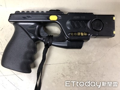 徐國勇:立即採購電擊槍