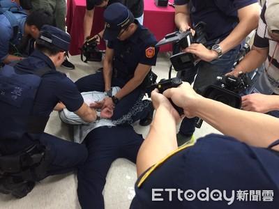 企業捐500萬添購電擊槍 提升警察配備